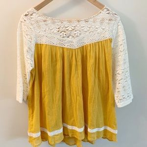 UMGEE MUSTARD LACE TOP SIZE S